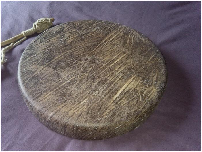 Tambour à main (goni) monté peau cheval