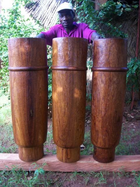tambours ka: 1 m de hauteur, triplette